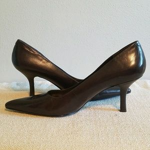 👠NWOT! Nine West brown pointy toe leather pumps